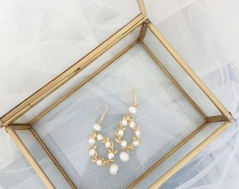 Freshwater Pearls Bridal Earrings, Gold Bridal Earrings, Bohemian Earrings, Gold Wedding Jewelry, Freshwater pealrs wedding jewelry