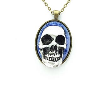 Ivory Finish 3D Skull Cameo on Oval Setting Necklace