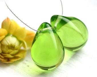 Fresh green beads, glass beads, Teardrops, czech glass, large Briolettes, beads pair - 15x20mm - 2Pc - 2272