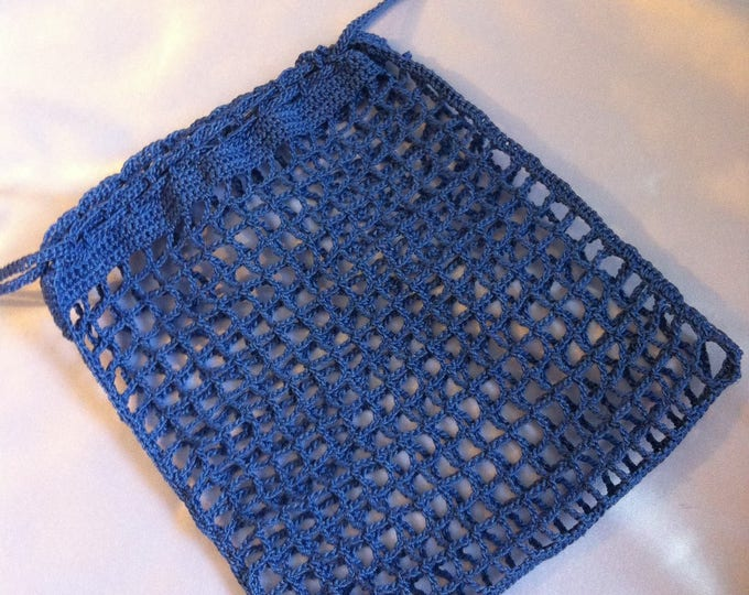 Delicate laundry bag, crocheted in cotton