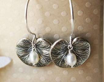 Sterling Silver Lily Pad Earrings - Pearl Flower Jewelry - Bridesmaid / Birthday / Mother's Day Gift