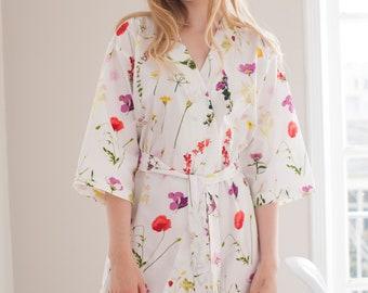 SET of 5 - 15% Discount White Floral Bridesmaids Robes. Bridesmaid Robes. Bridal Robe. Bridesmaid Gift. Kimono Robe. Enchanted Garden.