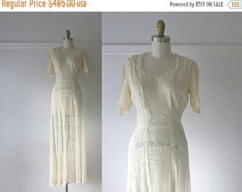 SALE Je T'aime / 40s wedding dress / vintage 1940s lace wedding dress