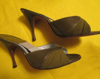 1950's Ladies Olive Green Leather/Suede SPRINGALATORS/MULES by Scasini--Size 8 M