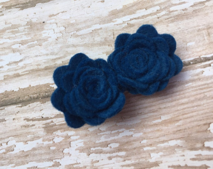 Blue felt flower hair clip - hair bows, hair clips, bows, felt bow, felt hair clip, hair bow, hair clips for girls, baby bows, hairbows