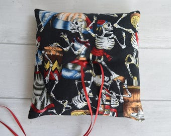 Day of the Dead wedding ring pillow. Halloween. Gothic wedding. Skeleton wedding .