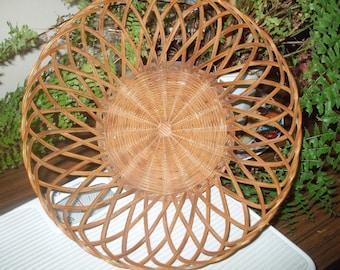 Vintage Straw Basket,Retro  Rattan Basket,Antique Sewing Yarn Basket Brown Wicker Open Weave Woven Basket, Rattan Tray basket, bamboo basket