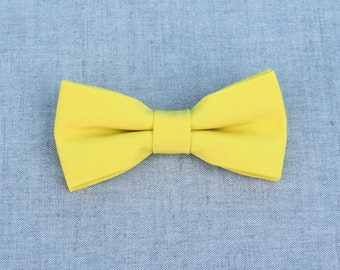 Yellow Bow Tie, Mens Bow Tie, Solid Yellow Bow Tie, Bow Tie for Men, Bow Tie for Wedding, Plain Bowtie, Groomsmen Bow Tie, Groom Bow Tie