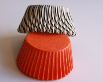 50 Orange and Black Striped Baking Liners