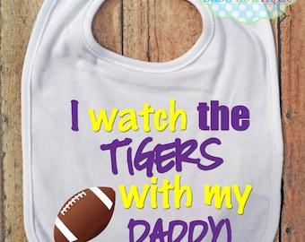 Je montre les Tigres avec mon papa Bib - LSU - Louisiane État Football - bébé Fan Gear