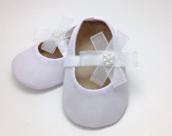 White Baby Shoes. Baby Girl Shoes. Baby Baptism Shoes. Baby Christening Shoes. Flower Girl Shoes. White Baby Booties.