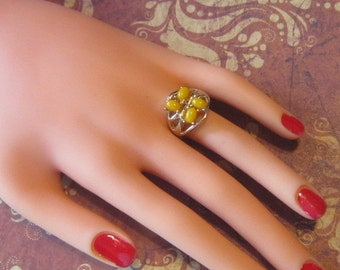 Vintage Gold Ring With Yellow Stones - Size 6.25 - R-295