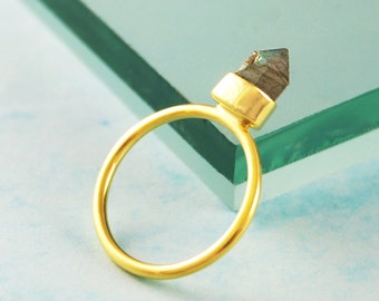 Gold Ring, Gemstone Ring, Labradorite Ring, Unique Ring, Statement Ring, Edgy Jewelry, Sterling Silver Gifts, Geometric Ring, Signet Ring