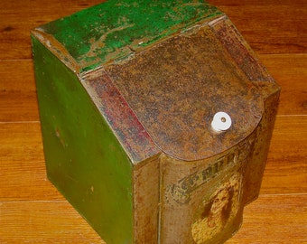 Antique Country Store Counter Top Advertising Display Pepper Spice Tin / Canister / Bin