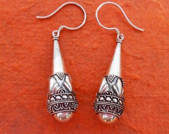 Balinese Granulation art.  Sterling Silver dangle Earrings / 1.75 inch long / silver 925 / Balinese handmade jewelry / (#908m)