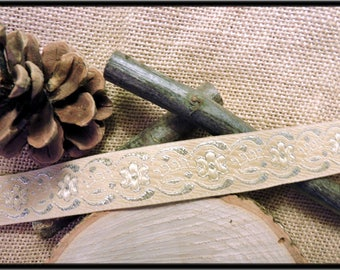 """Eblyne"" sewing trim"