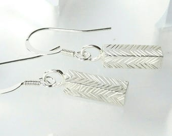 Sterling silver square wire textured drop dangle earrings, hallmarked in Edinburgh