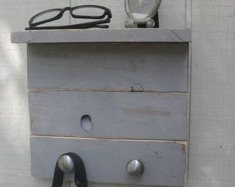 Reclaimed Pallet Wood Entryway Shelf Organizer Key Rack Leash Hanger Wall Shelf