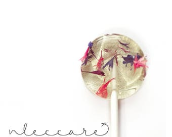 Flower Lollipops // Bachelor Button // Edible Flower Lollipops // Pressed Flowers // Spring Wedding // Summer Wedding // Leccare // 12 count