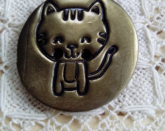 Round cat button, polymer clay button, gold clay buttons, kitty button, focal button, handmade button, unique button, sewing, knitting