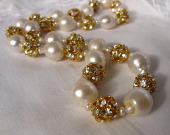 Sale,Baroque Pearl Necklace,Akoya Sea Pearl Choker,Large High Luster Pearl Strand Rhinestone Sparkly Elegant Day Glamor Designer Necklace