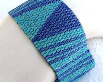 Duet in Turquoise and Blue Peyote Cuff Bracelet (2362)