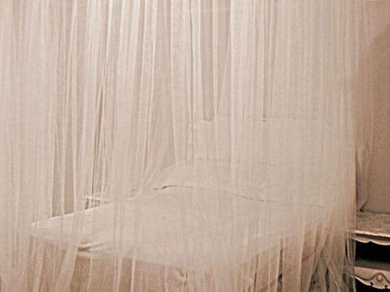 Einem Weißen Bett Baldachin Vorhang   Netz Spitze Schiere Panels  Kinderzimmer Dekor Bett Zelt Girlande Lange Decke Gardinen Romantisches  Schlafzimmer ...