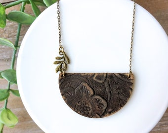 Dark brown leather necklace //leather necklace // womens bronze necklace // leaf // modern necklace // gift for her // gift for girlfriend