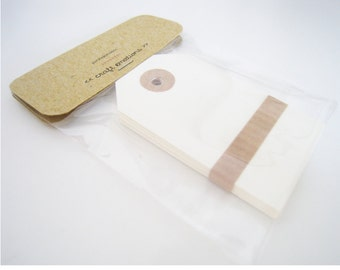10 Parcel Tags Ivory - Medium 10 pcs - with Reinforcement Ring