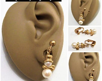 Avon White Pearl Top Hat Scarf Snowman Clip On Earrings Gold Tone Vintage 1994 Pearly Snowman Two Bead Dangles Round Top Bead