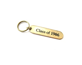 Vintage Oblong Shaped Gold Tone / Brass Metal Class of 1986 Black Enamel Unmarked Graduation Keychain