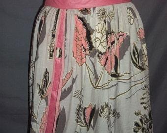 Vintage Eames Era Gusseted Half Apron Pink Grey 50s Gold Metallic Trim