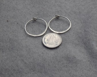 Silver Hoop Earrings,  1 Inch Hoop Earrings, Sterling Silver, Hammered Silver, Secure Clasp, Wire Hoop Earrings,Silver Hoops, Round Earring