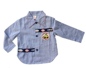 FRENCH vintage 70's / boy shirt /  denim like fabric + patches / new old stock / size 2 and 3 Years