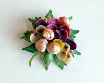 Vintage Shell Assemblage Brooch - Floral Pin Made Out of Shells - Kitschy Mid-Century Jewelry - Wearable Sculpture - 1960s Souvenir