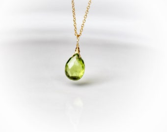 Peridot necklace,Peridot jewelry,August Birthstone,peridot pendant,AA quality peridot jewelry ,minimalist dainty necklace,gift for her