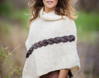 Women's chunky hand knit poncho pure sheep wool cream - fall fashion ~ Autumn/Winter Fashion - Coats jumpers sweaters