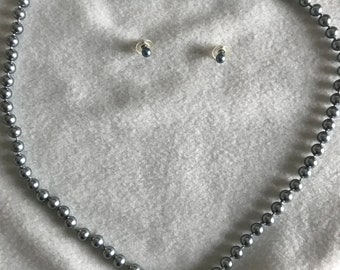Gunmetal pearl necklace with matching earrings