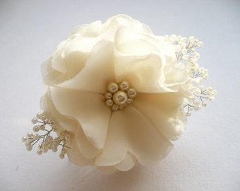 Ivory Bridal Hair Comb - Wedding Hair Comb - Decorative Hair Accessories - Flower Hair Accessories - Flower Hair Comb - Wedding Hair Pieces