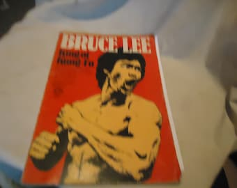 Vintage 1974 Bruce Lee King of Kung Fu Softback Book, collectable