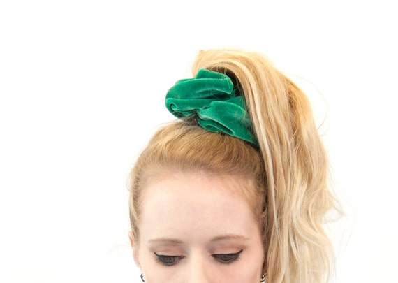 Scrunchie Hair Styles: Hair Scrunchies Green Velvet Scrunchie Kelly Green Pony