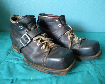 Vintage Chippewa leather ski boots circa 1930s or 1940s size 9-9 1/2