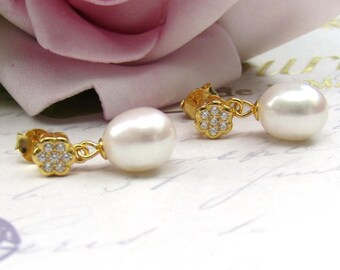 Gold , Freshwater Pearl Bridal Earrings, Small Teardrop Pearl Earrings, Bridal Jewellery, Wedding Jewellery, Stud earrings