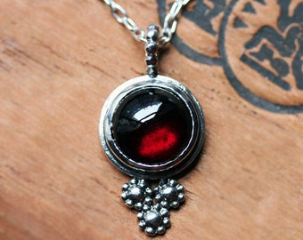 Red garnet necklace, garnet cabochon necklace, January birthstone necklace, daisy necklace, flower necklace, garnet pendant, ready to ship
