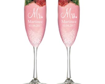Custom Wedding Gift Personalized Champagne Flutes Wedding Gift Bridal Shower Gift Anniversary Gift for Couples Engagement Champagne Glasses