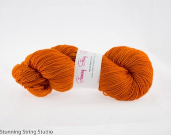 Falling Leaves - Luxury Fingering Weight - Merino, Cashmere & Nylon - 100 g - 425 yds