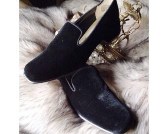 Vtg womens 8 black velvet loafers slides oh my goth slippers