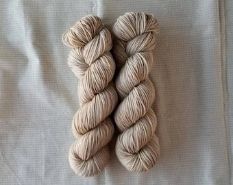 Cameltaupe - Hand dyed yarn - Superwash - Merino - Nylon - DK - indie dyed - semi-solid