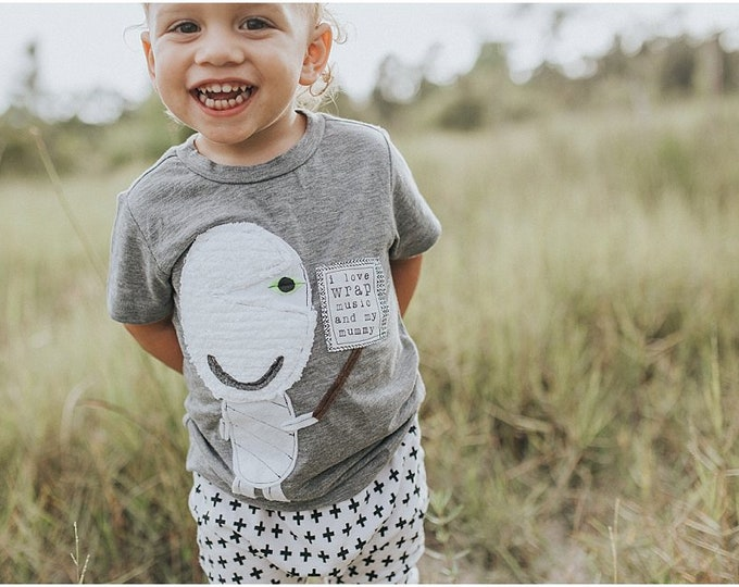 """Gender Neutral Swanky Shank Tee """"I Love Wrap Music and My Mummy"""" Gender Neutral"""