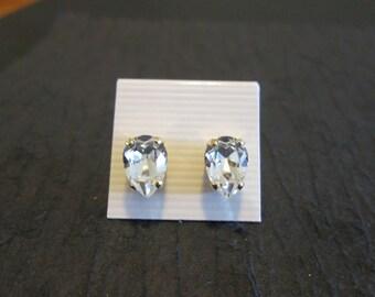 Petite Pear Shaped Swarovski Studs/Clear Crystal Swarovksi Earrings/Clear Swarovski Earrings/Pear Shaped  Studs/Bridesmaid Earrings